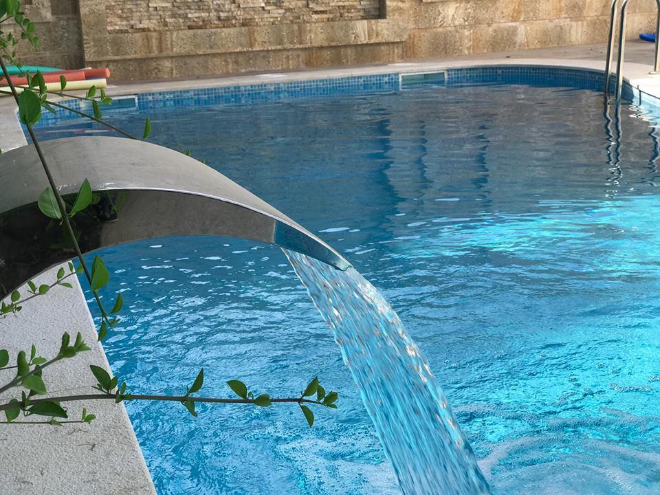 Skimmer pour piscine great skimmer piscine hors sol for Peinture liner piscine hors sol
