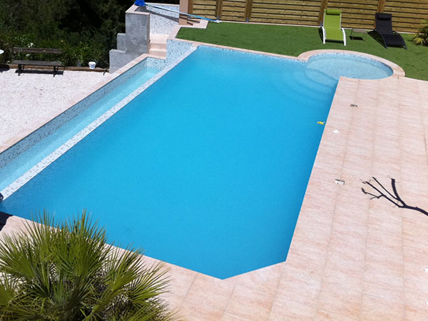 Djerba piscine d bordement djerba fluides for Prix piscine coque a debordement
