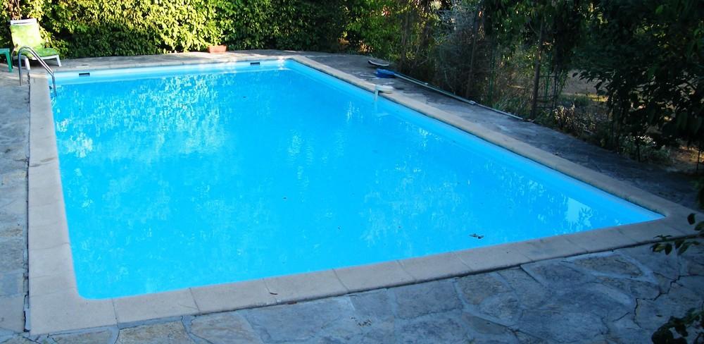 Djerba piscine skimmer djerba fluides for Prix skimmer piscine beton