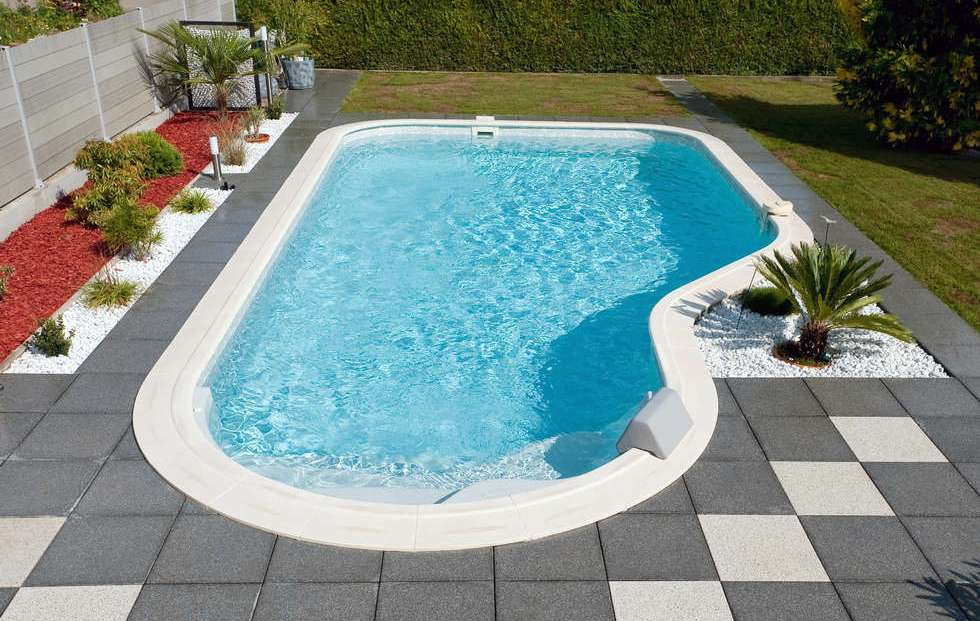 Piscine cl a djerba fluides for Piscine 8x4 prix